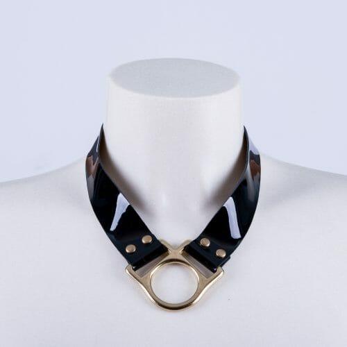 "Collar ""Horse"" charol."