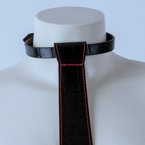 "Collar ""Corbata"""